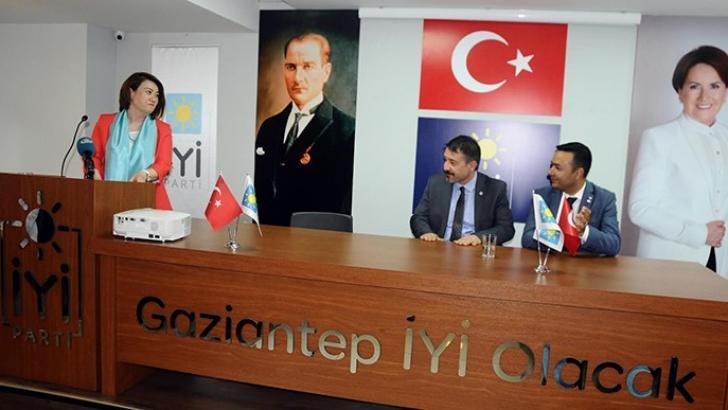Avukat AybükenYıldırım İYİ Parti'den aday adaylığını açıkladı
