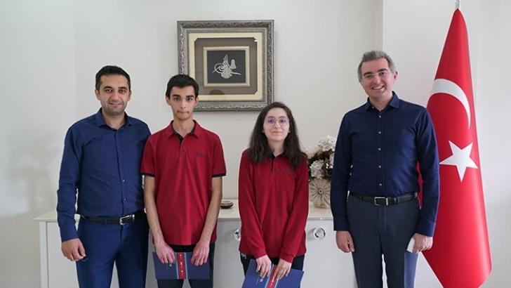 Erdem Kolejinden Türkiye Derecesi