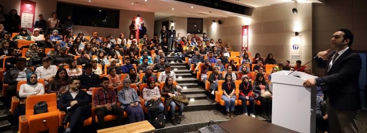 İpekyolu Kariyer Fuarı'nda Eğitim Yöneticisi TEDX Konuşmacısı Mehmet Uçar'dan 'Kariyer Gelişiminde İletişimin Sonsuz Etkisi' konulu konferans