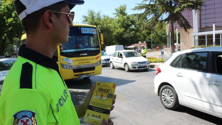 'Yaya Öncelikli Trafik' İçin Yayalar Ve Sürücüler Bilgilendirildi