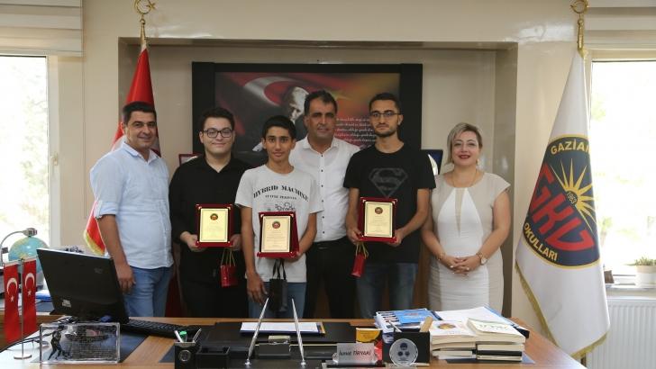 Gaziantep Kolej Vakfı YKS Şampiyonu Öğrencilerini Ödüllendirdi