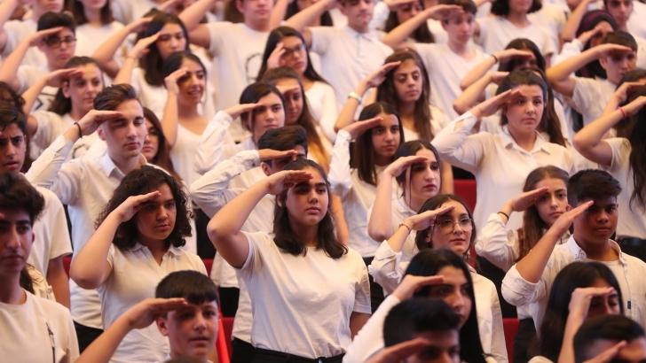 1.270 ŞAHİNBEYLİ ÖĞRENCİDEN MEHMETÇİĞE MARŞLI SELAM