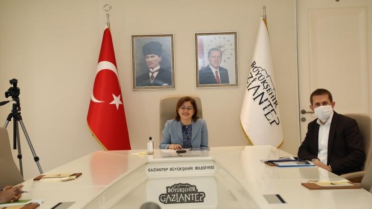 BAŞKAN ŞAHİN'DEN ULAŞTIRMA BAKANINA PTT RİCASI!