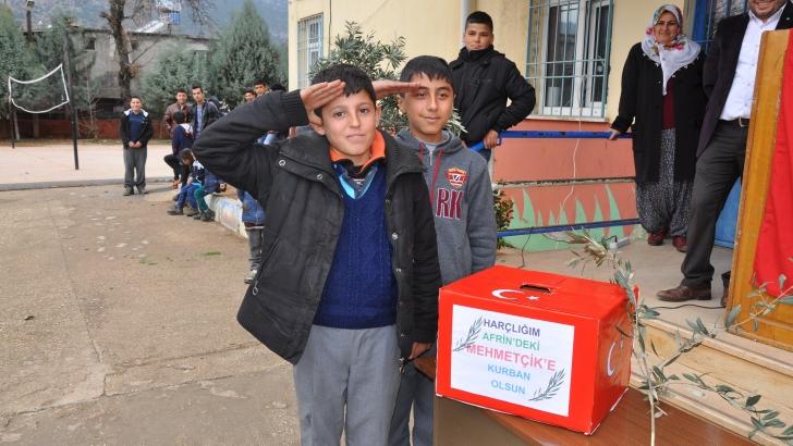 523 öğrenci okul harçlıklarını Afrin'e gönderdi