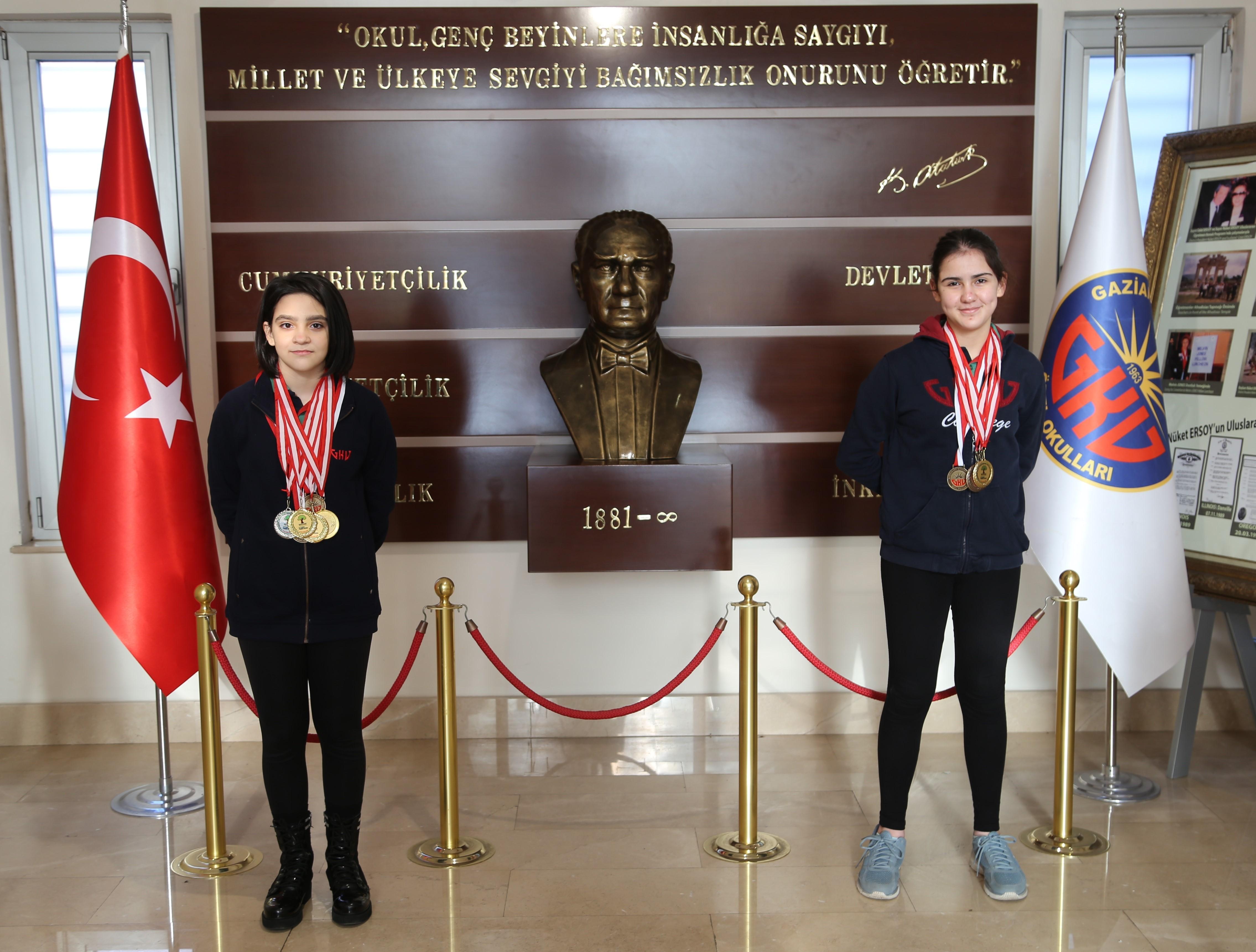 GKV'nin altın kulaçları 4 altın, 1 gümüş ve 3 bronz madalya kazandı