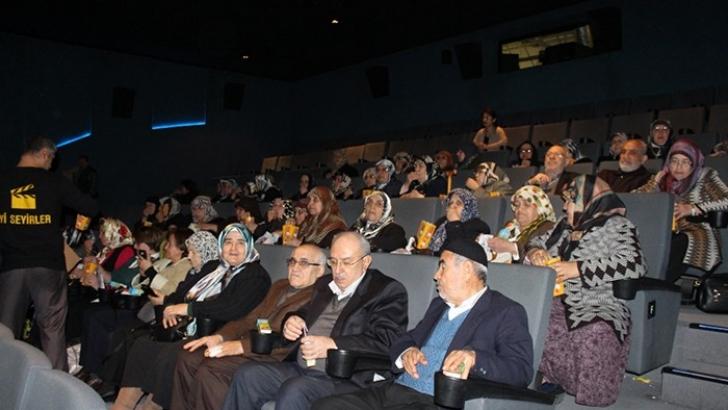 Aktif Yaşam Yaşlıları 'Antep Fıstığı' Filmini İzledi