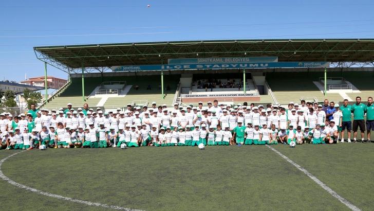 Binlerce Sporcu Yaz Okullarında Buluştu