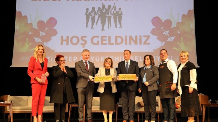 TÜRKİYE'NİN LİDER KADINLARI ZİRVESİ GAZİANTEP'TE TOPLANDI