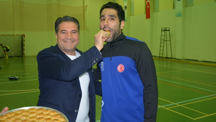 Avrupa Şampiyonu Gaziantep Polisgücü'ne Baklavalı Uğurlama