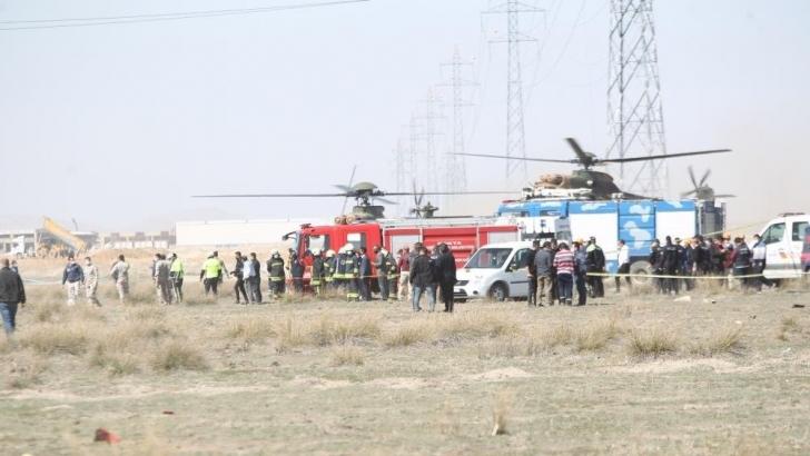 Konya'da Türk Yıldızları'na ait uçak düştü: 1 pilot şehit